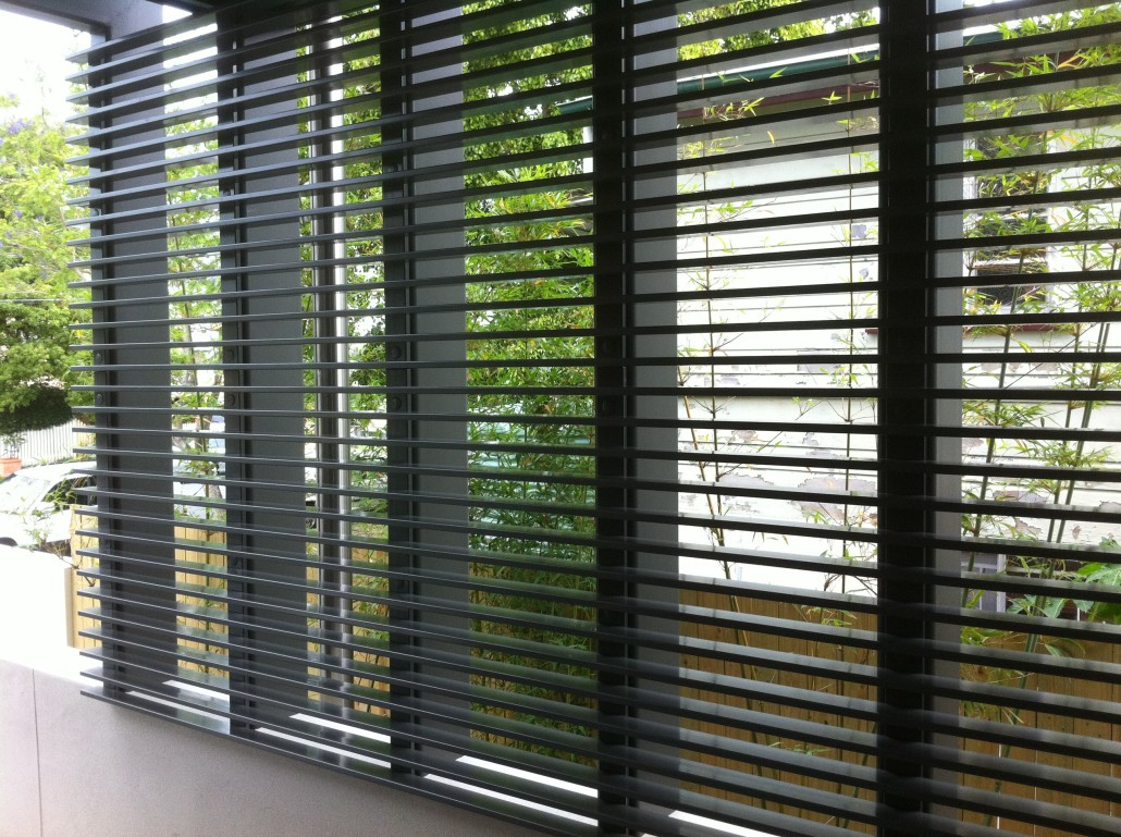 Privacy screens gallery all glass and aluminium fencing for Privacy window screen
